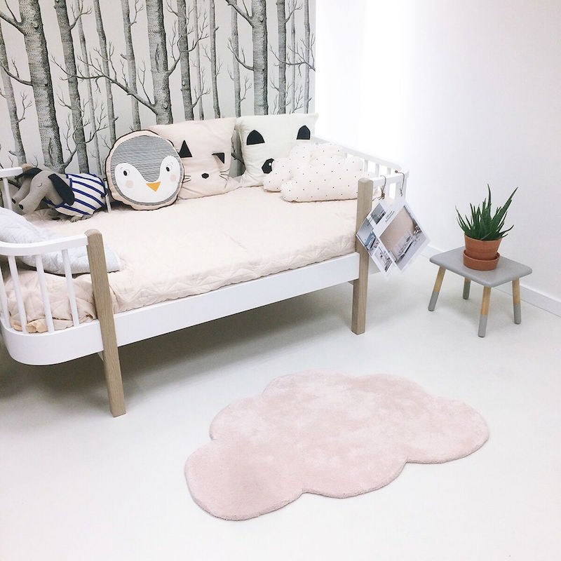 tapis nuage rose pastel pour chambre b b fille par lilipinso. Black Bedroom Furniture Sets. Home Design Ideas